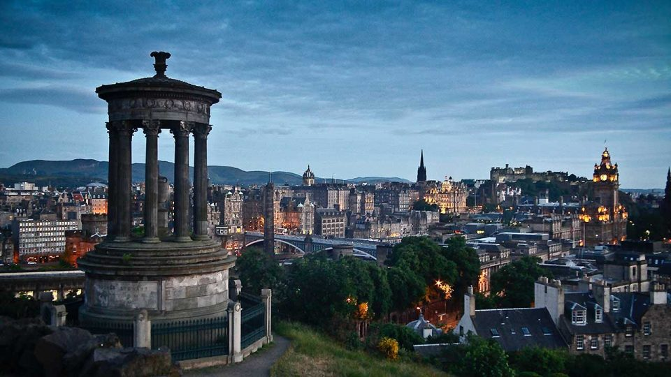 EDINBURGH, CLASSICAL COUNTRY EXPERIENCE